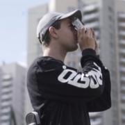 """Koniecznie obejrzyj """"Spójrz inaczej na miasto"""" – krótki film o eksplorowaniu miasta z analogiem w ręku"""